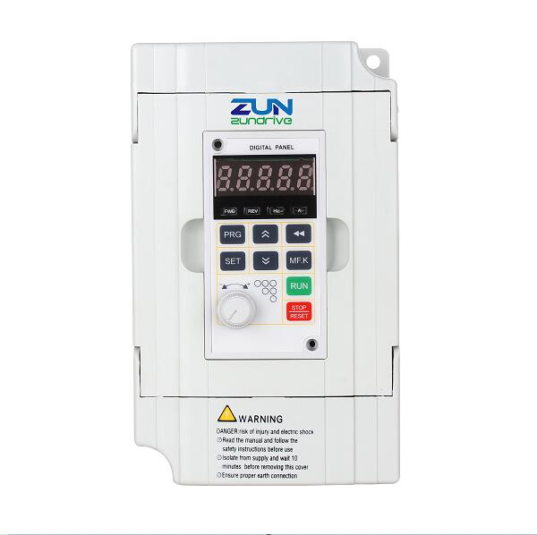 SG320-M Mini Solar Pumps Inverter For 3 Phase 220V Pumps